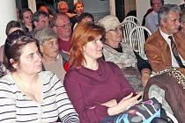 TŘI VÍTĚZOVÉ. Pondělní podvečer patřil v obřadní síni v Plané nad Lužnicí debatě s autory tří návrhů na rekonstrukci centra města.