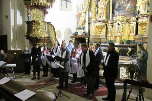 V neděli 5. ledna si nenechala kulturní zážitek v kostele na náměstí Mikuláše z Husi ujít asi stovka návštěvníků. Soběslavská Novita díky bujarému potlesku uštědřila i přídavek.