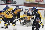 Táborští zvládli i páté sezónní derby s Pískem, tentokrát na jeho ledě. IHC Králové Písek - HC Tábor 4:7.
