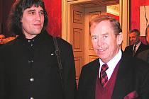 K setkání táborského malíře a prezidenta došlo na velvyslanectví Rumunska v Praze.