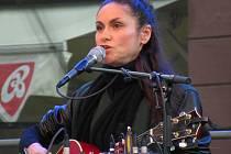 Svým vystoupením nazvaným Solo zahájila festival Bohemia JazzFest v neděli 14. července Lenka Dusilová.