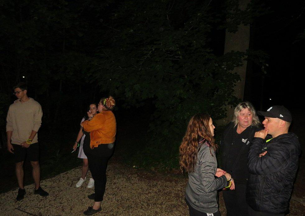 Noční bojovka v Táboře. Adrenalinovou akci pro dospělé absolvovaly v pátek 4. června v noci asi tři stovky odvážlivců.