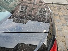 Písek ze Sahary na kapotě auta v Českých Budějovicích
