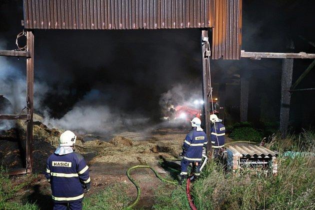 Požár způsobil škodu ve výši 40tisíc korun, uchráněné hodnoty jsou staveny na 30tisíc korun.