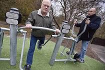 Pražští senioři si park užívají