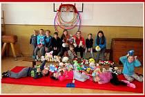 Hasiči z Košic připravili Vánoce pro děti z Dětského domova v Radeníně.