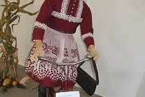 Národopisná výstava krojů z Čech, Moravy i Slovenska v Plané nad Lužnicí.