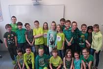 Děti slavily Den Země v zelené barvě.