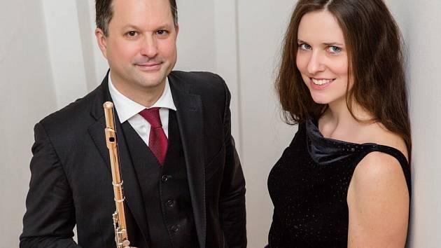 Jan Ostrý a Silvie Ježková koncertují v Divadle Oskara Nedbala.