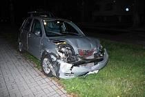 S bezmála trojkou v krvi naboural muž v Soběslavi tři auta.