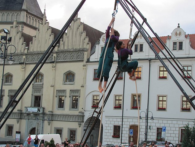 Akrobati v Táboře.