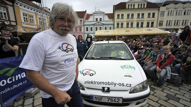 Jaromír Vegr propadl před pětatřiceti lety kouzlu elektrického pohonu.