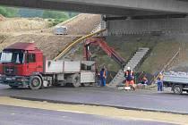 Ze stavby dálnice.