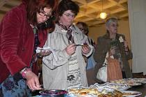 V závěru oslav Evropského dne židovské kultury měli návštěvníci možnost ochutnat některé pokrmy z tradiční židovské kuchyně