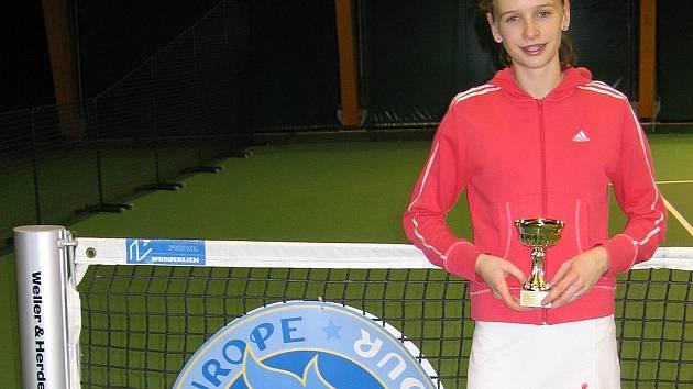 STŘÍBRO. Do sbírky Veroniky Bacíkové přibyla po letošním mistrovství republiky zatím nejcennější trofej.