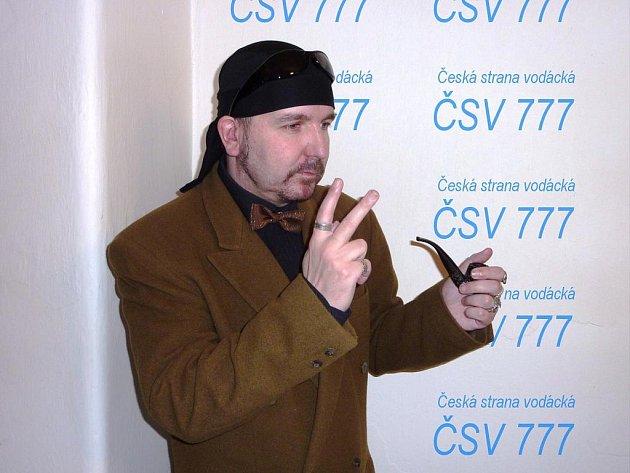 Šedá eminence táborské politiky. Jaroslav D. Ptáček se duchovně soustřeďuje na vítězství v příštích místních volbách.
