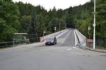 Sobotní otevření Švehlova mostu konečně ulevilo Čelkovicím.