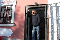 Slavný soused malíř Kristián Kodet opravil místní faru.