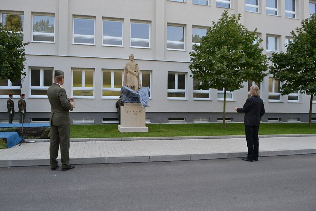 Odhalení sochy Jana Roháče z Dubé v Táboře.