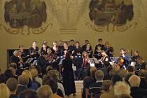 Kostelem bude znít barokní hudba. Začíná Táborský triptych.