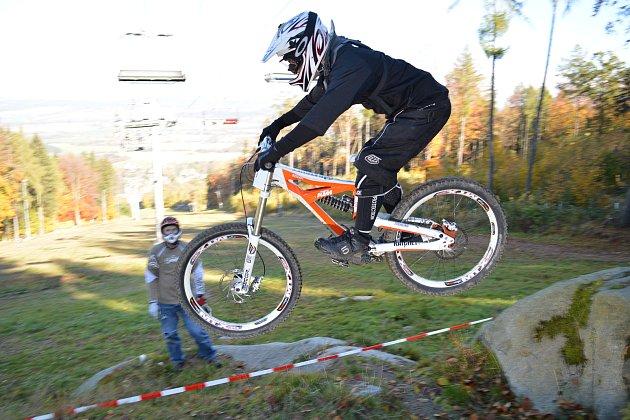 Na Monínci se v sobotu závodilo na kolech bez řetězů.