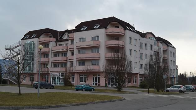 G centrum u táborské nemocnice.