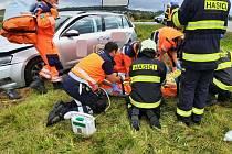 Krátce po poledni v pátek 17. září vyjeli profesionální hasiči ze stanice Tábor k obci Chotoviny, části obce Červené Záhoří, kde byla nahlášena dopravní nehodě dvou osobních aut.