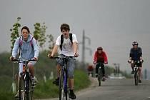 Cyklisté se projedou po vyznačené cyklostezce Lužnice