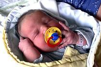 Je sestřičkou tříletého Pepíčka a narodila se 7. července ve 13.59 hodin. Vážila 4400 g, měřila 50 cm.