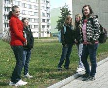 Panelové sídliště Svákov v Soběslavi je frekventované místo. Denně tu projdou desítky školáků a najdete zde i Senior dům.