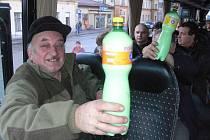 Zemědělci jedou do Prahy. Chtějí rovné podmínky v celé EU a mléko vylijí do hnoje