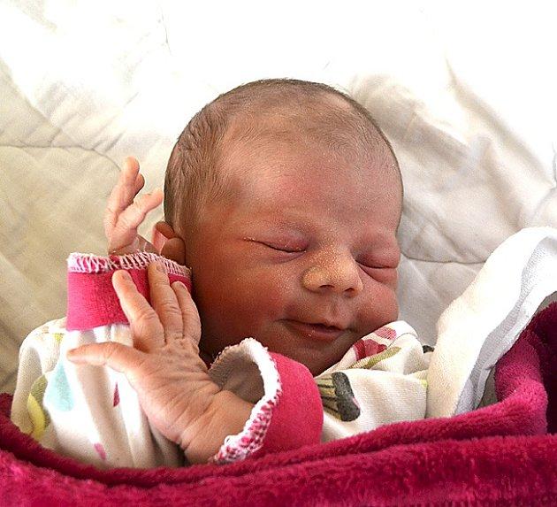 Veronika Balíková za Zářičí. Narodila se 25. července ve 13.42 hodin jako druhá dcera v rodině. Vážila 2660 gramů, měřila 44 cm  a sestřičce Elišce je dva a čtvrt roku.