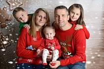 Tereza Vančatová s rodinou.