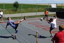 Obnovená tradice nohejbalového turnaje v Mezné.
