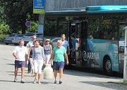 Na plavbu ze Soběslavi do Plané nad Lužnicí se vydala třicítka vodáků v kostýmech.