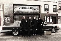 Pražsko-táborská kapela Pleas The Trees, která se vrátila z amerického festivalu South by southwest v Austinu, pokřtí 29. dubna v pražské Malostranské Besedě své nové album Inlakesh.