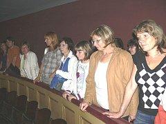 Účastníci druhé úplňkové noci měli možnost vystoupit až na třetí balkon malého sálu Divadla Oskara Nedbala.