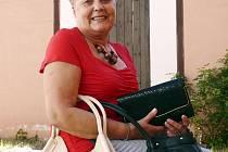 HELENA DANIELOVÁ je na své kabelky velmi opatrná, a tak jsou jako nové. Tři věnovala do Kabelkového veletrhu Deníku.