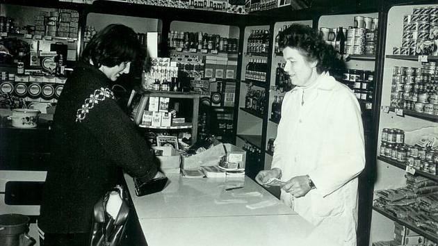 Prodejna Jednoty Vodice v roce 1981.