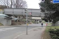 Souběžně s mostem povede i lávka.