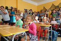 Také děti z bechyňské školy v ulici Školní