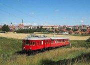 Elinka na trati z Tábora do Bechyně.