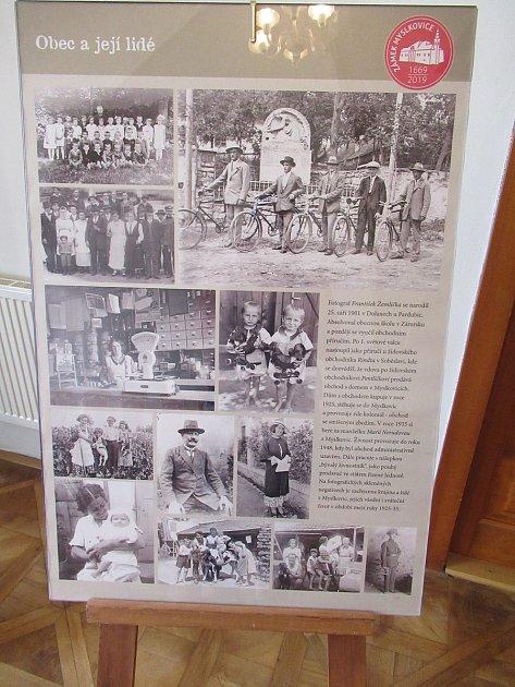 Zámek vMyslkovicích letos slaví 350.výročí, místní přichystali výstavu retrofotografií iprvní pivní slavnosti.