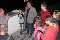 Výhled na noční Tábor uchvátil návštěvníky táborské hvězdárny