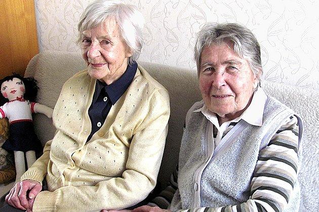 Na první světovou válku s námi zavzpomínaly celoživotní kamarádky Alena Lukšíčková (vlevo) a Eva Provazníková z Tábora.