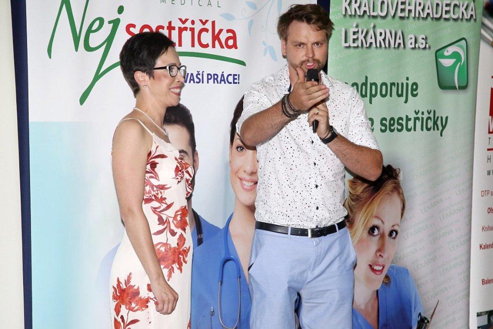 Vrchní sestra Helena Novotná z táborské nemocnice poznala díky účasti v soutěži Batist Nej sestřička 2019 zajímavé osobnosti.