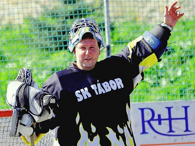 Brankář Jaroslav Pátek slavil čtyřicátiny, vítězství svého týmu i vychytanou nulu.