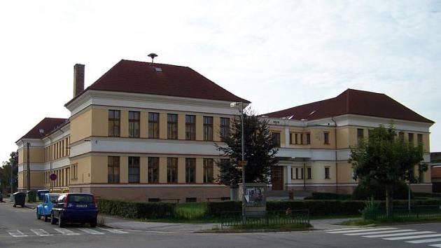 Základní škola Františka Křižíka v Bechyni.