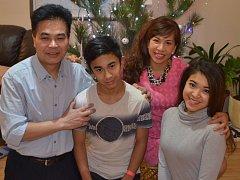 Vietnamské Vánoce se od českých liší jen nepatrně. Thanh Cao Nguyenová se hlásí ke křesťanství a rodina z Tábora se přiklonila i k české tradici, byť její hlava je buddhista.