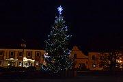 1. Vánoční strom v Bechyni.